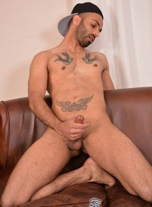 Hunky Gay Aiden Rivers,