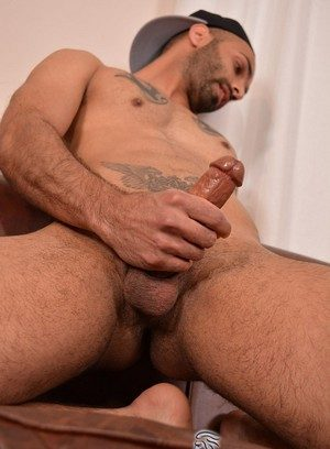 Cocky Boy Aiden Rivers,