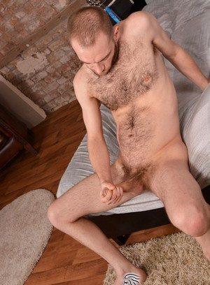 Hunky Gay Lincoln Gates,