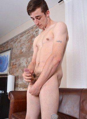 Sporty Hunk Mason Lucas,
