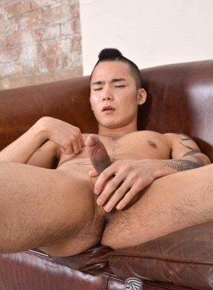 Hunky Gay Yoshi Kawasaki,