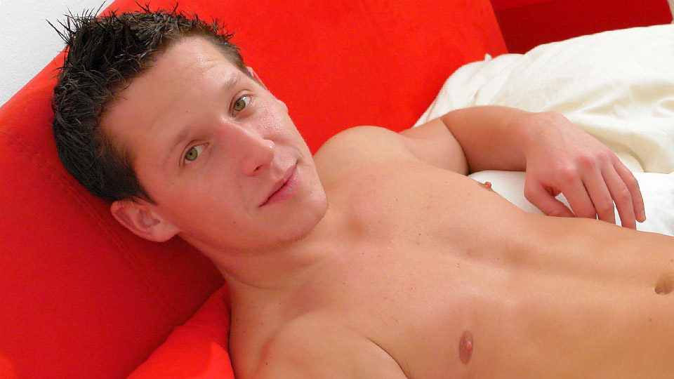 Hot corbin pierce and kyle valasek spanking and blowing dick