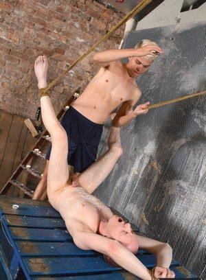 Hunky Gay Titus Snow,Sean Taylor,