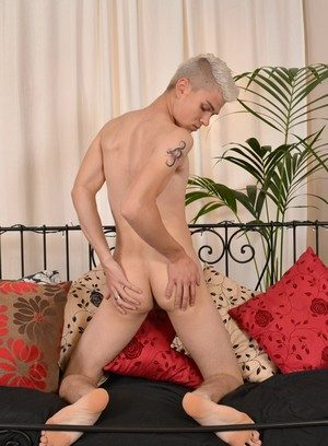 Sexy and confident Titus Snow,