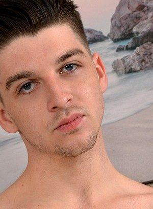 Hot Guy Edwin Sykes,