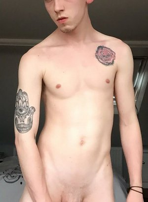 Horny Gay Arron Myers,