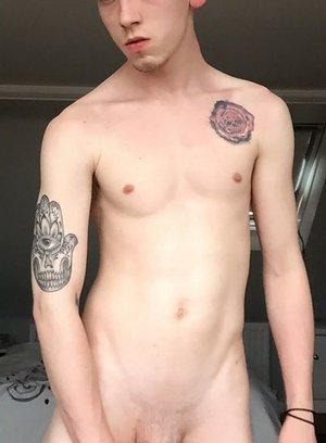 Horny Gay Arron Myers,