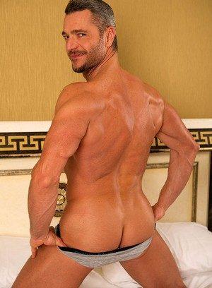 Muscle man Sergi Soldi,James Jones,