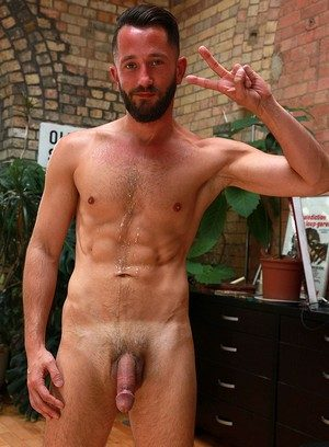 Big Dicked Gay Sam Wallis,