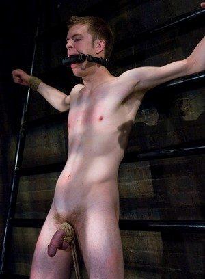 Hunky Gay Tyler Saint,