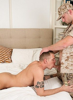 Naked Gay Benjamin Swift,Gunner Cannon,