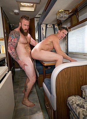 Sporty Hunk Aaron Bruiser,Alexander Motogazzi,