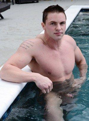 Hot Boy Jake Wilder,Dennis West,