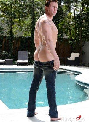 Muscle man Dennis West,Jake Wilder,