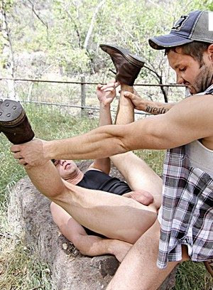 Muscle man Jeff Powers,Brandon Evans,