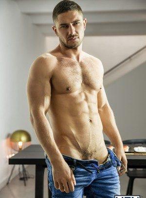 Sexy Gay Dato Foland,