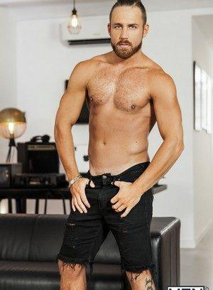 Sexy Dude Logan Moore,