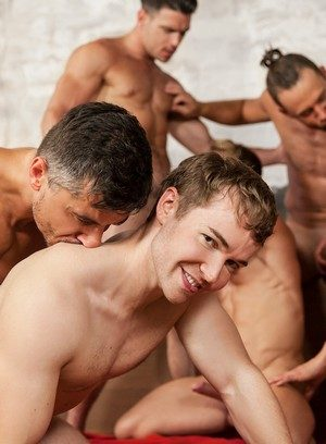 Naked Gay Sunny Colucci,Hector De Silva,Gabriel Cross,Logan Moore,Dato Foland,Darius Ferdynand,Jay Roberts,