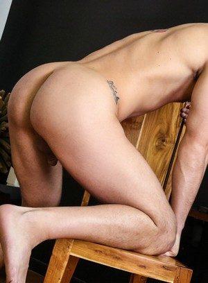 Muscle man Alex Mecum,Roman Todd,