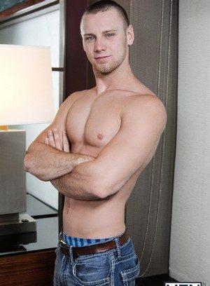 Sexy Dude Brandon Evans,Griffin Barrows,