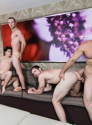 Good Looking Guy Aspen,Will Braun,Jaxton Wheeler,Brandon Evans,Griffin Barrows,