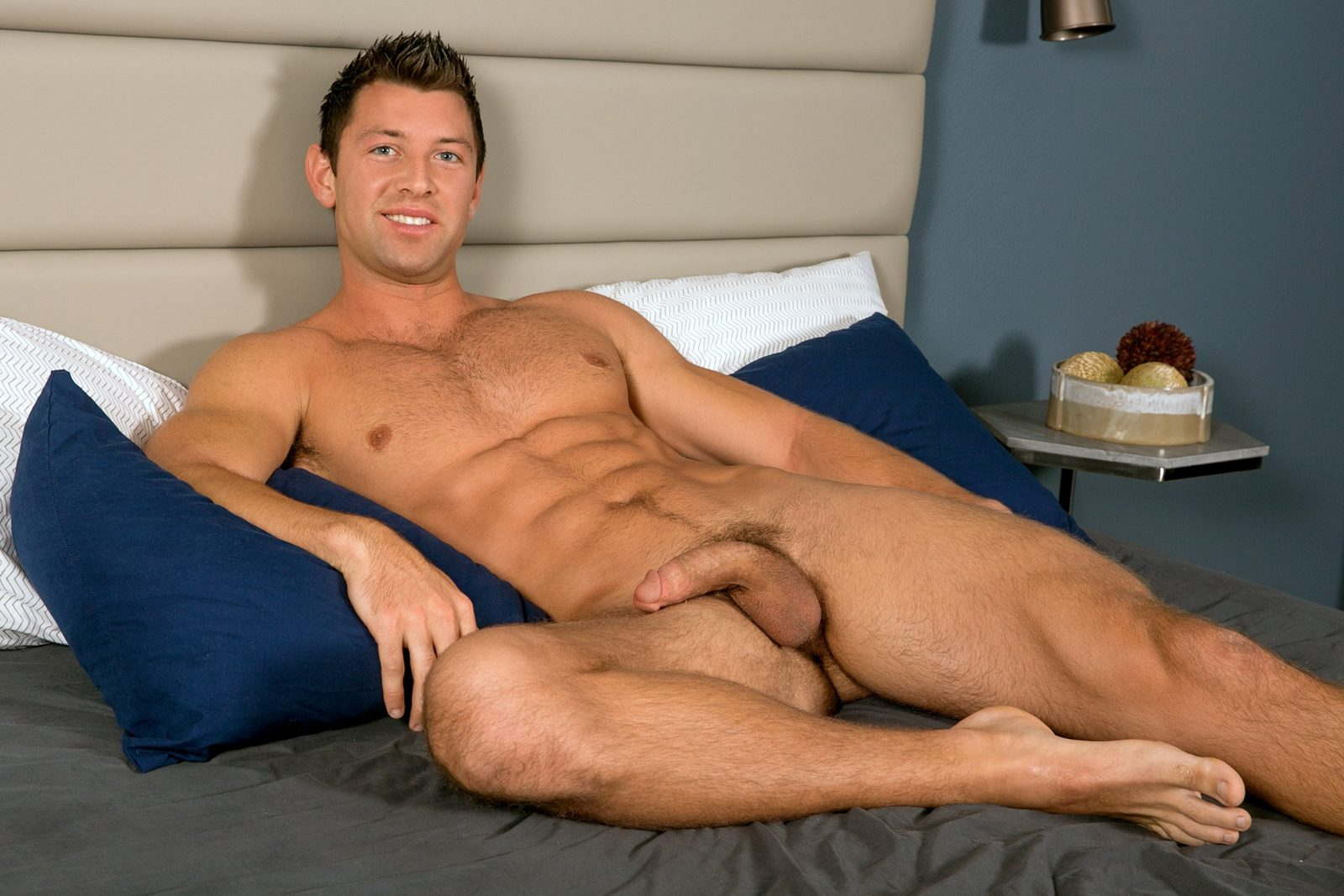 young-college-hunks-porn-pics