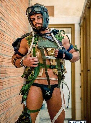 Hot Gay Hector De Silva,