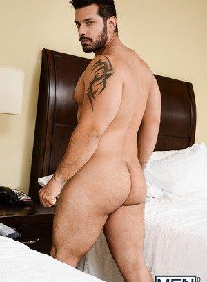 Handsome Guy Marcus Ruhl,Darin Silvers,