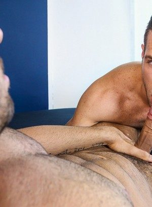 Good Looking Guy Diego Sans,Alex Mecum,