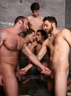 Muscle man Hunter Page,Jack King,Jimmy Johnson,Tommy Defendi,Spencer Reed,