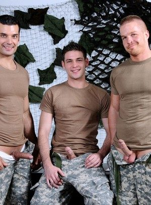 Sexy Guy Marcus Ruhl,Liam Magnuson,Duncan Black,