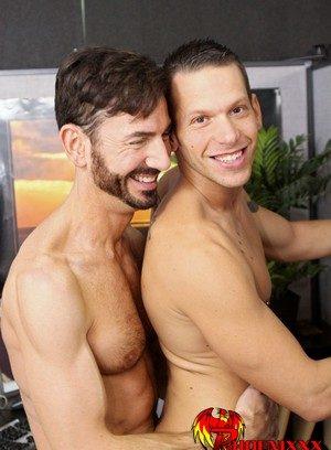 Naked Gay Bryan Slater,Shane Frost,