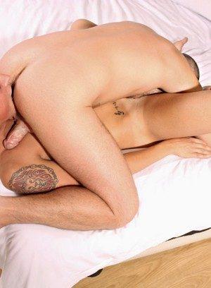 Hot Boy Leo Rain,Bradley Bishop,