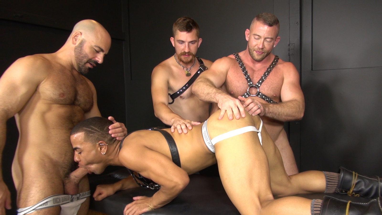 Strong gay men xxx