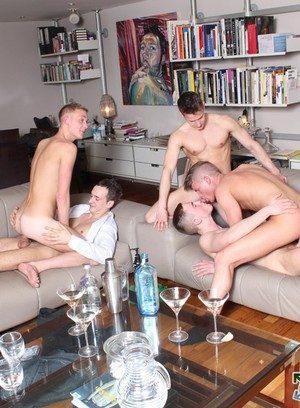Naked Gay Luke Desmond,