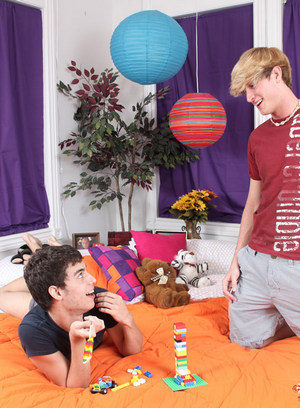Cock Hungry Dude Lucas Sky,Gabriel Kelly,