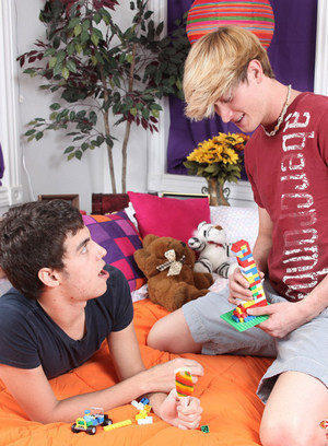Cute Gay Gabriel Kelly,Lucas Sky,