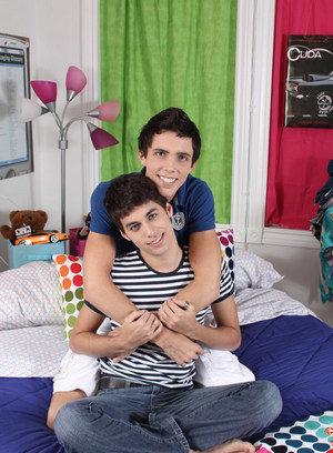 Naked Gay Brendan Tyler,Lucas Sky,