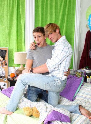Naked Gay Gabriel Kelly,Levon Meeks,