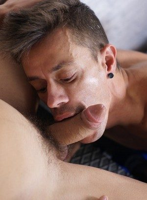 Handsome Guy Alec Loob,Aaron Lautner,