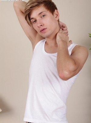 Hot Gay Yuri Adamov,