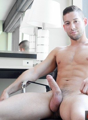 Sexy Dude Kyle Kash,