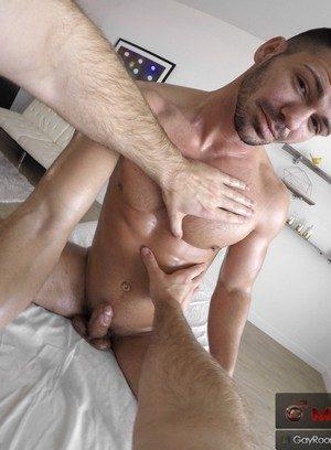 Handsome Guy Brogan Reed,Daniel Duress,