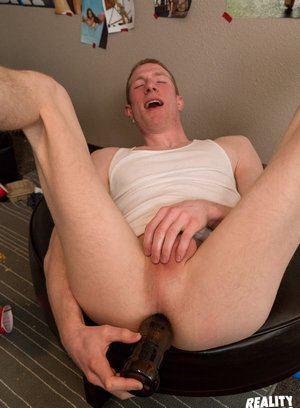 Hot Gay Leon Lewis,